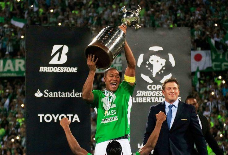 Alexis Henríquez. El capitán libertador. Tantos años luchando y soñando por una segunda Copa Libertadores. Con su liderazgo, compromiso y talento, Henríquez se convirtió en pieza clave del club.