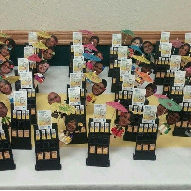 @Joelyuri2002 made these personalized miniature literature display for a pioneer school in Albuquerque, NM haha love these!