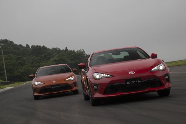 2016年7月5日火曜日、トヨタ自動車は静岡県の富士スピードウェイの特設会場で、同社のスポーツカー「86」のビッグマイナーチェンジモデルを発表した。>>[写真120枚]トヨタ 86(ハチロク) 画像ギ…