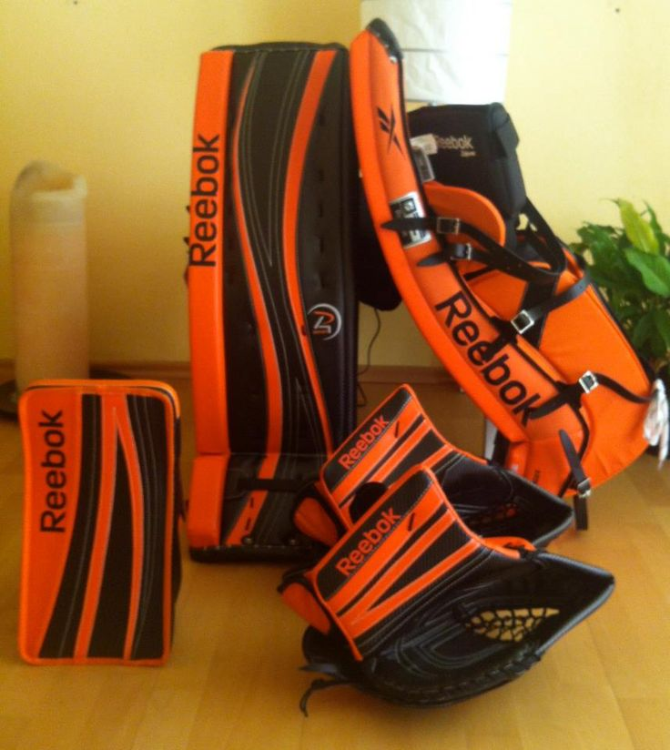 Another awesome set of P4 Reebok pads! Order yours at http://goalie.totalhockey.com/default.aspx