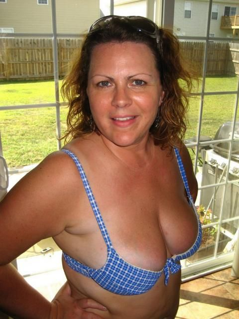 Hot wife nude pic