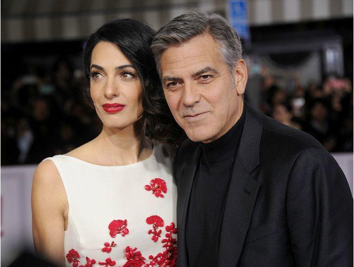 Джордж Клуни рассказал, как он делал предложение Амаль Аламмудин - http://russiatoday.eu/dzhordzh-kluni-rasskazal-kak-on-delal-predlozhenie-amal-alammudin/ Актеру пришлось торопить возлюбленную с решением из-за затекшего коленаНедавно в интервью на шоу Эллен Дедженерес Джордж Клуни рассказал, что сит
