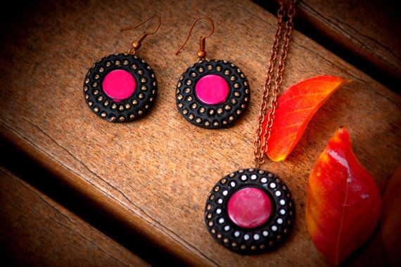 Fuschia pink terracotta pendant and earring set, handamde jewelry, dangling earrings, statement jewelry, daily wear and party jewelry