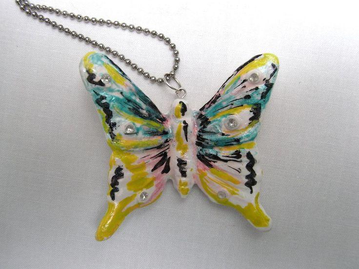 #Collana con #pendente #farfalla colorata in ceramica dipinta a mano e pietra #swarovski