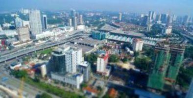 Polisi di Johor menahan lebih dari 2.000 orang dalam penggabungan 388 gabungan yang dilakukan di tempat perjudian online tanpa izin di seluruh negara bagian Malaysia dari tanggal 1 Juni sampai 10 Juni, menurut kantor berita setempat.  Dari 2.348 orang yang ditangkap, 1.935 adalah pelanggan dari tempat perjudian online ilegal sementara 413 adalah pengurus tempat tersebut, kata Datuk Kamarul Zaman Mamat, Kepala Investigasi Kriminal Johor casino online