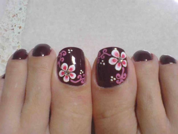 8 Diseños de Uñas Color Negro con Flores - ε Diseños e Ideas originales para…                                                                                                                                                                                 Más