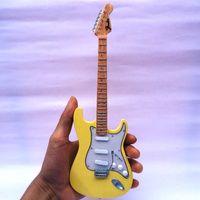 Miniatur Gitar Fender Stratocaster Yngwie Malmstem