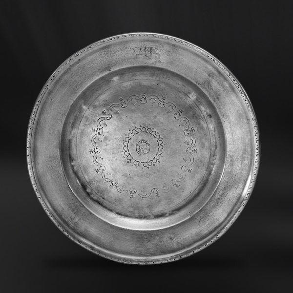 Pewter Plate - Diameter: 28 cm (11″) - Food Safe Product - #pewter #plate #dish #peltro #piatto #zinn #teller #zinnteller #étain #etain #assiette #plat #peltre #tinn #олово #оловянный #tableware #dinnerware #table #accessories #decor #design #bottega #peltro #GT #italian #handmade #made #italy #artisans #craftsmanship #craftsman #primitive
