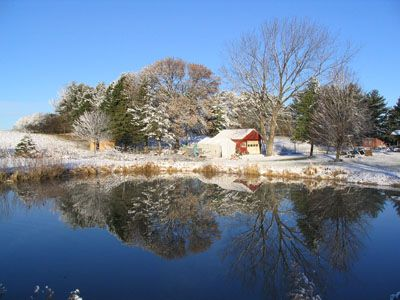 how to keep farm pond from freezing