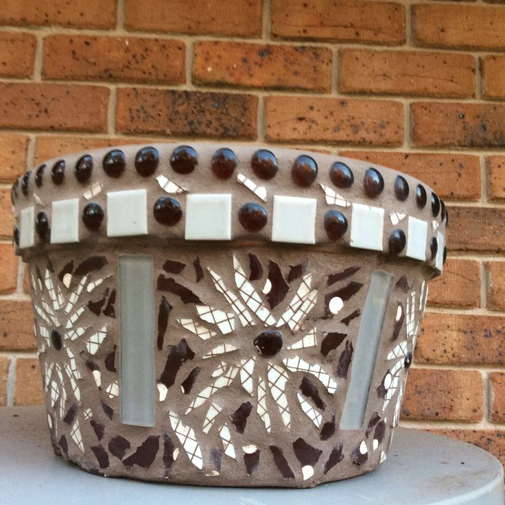 Brown Daisy pot for Sonia
