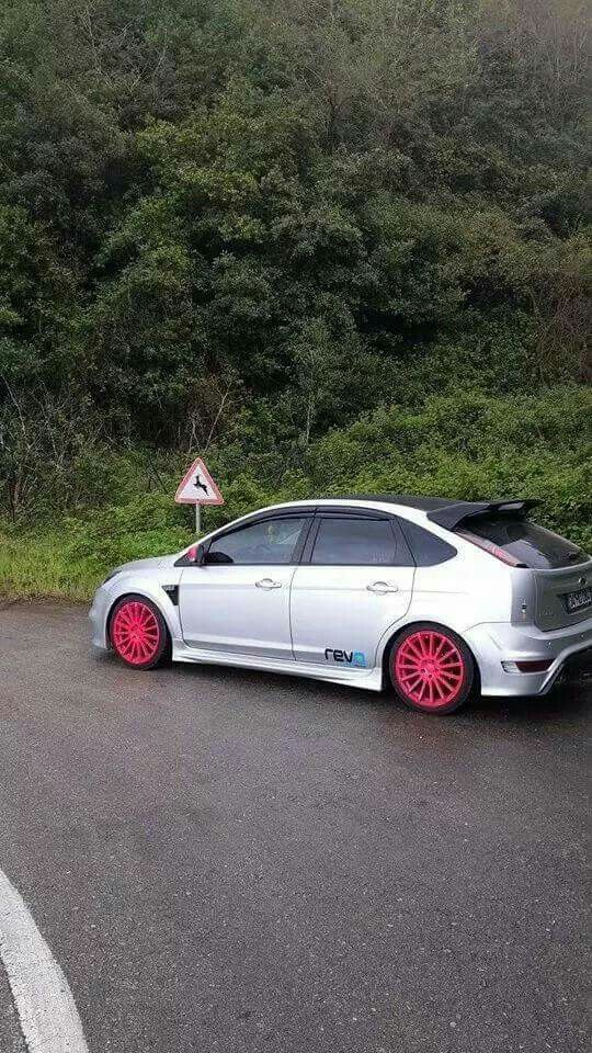 Silver Ford Focus St Rs In 5 Doors Body Pink Rims Black