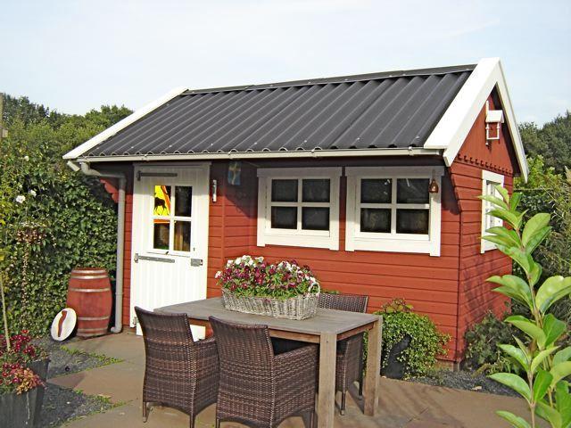 Schwedenfarbe Schwedische Farben Holzfarbe Fassadenfarbe Aussenfarbe Gartenhaus Garten Haus