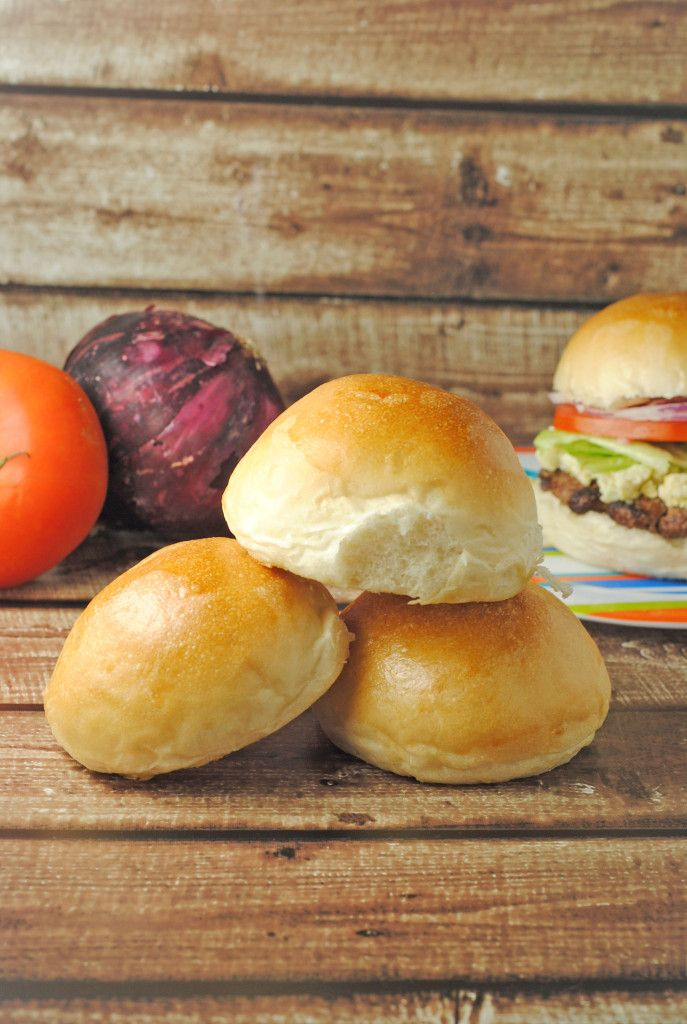 Homemade Hamburger Buns from @Jen @ Juanita's Cocina #Hamburger #Bread #recipe
