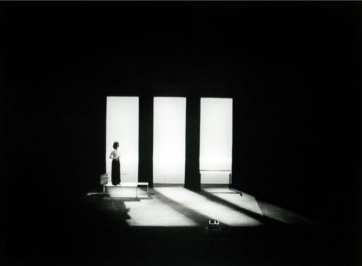 Design - Iluminação - Teatro                                                                                                                                                                                 Más