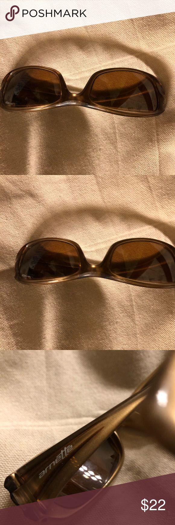 Arnette polarized glasses Sporty sun glasses by Arnette, great visibility. Polarized glass cuts glare Arnette Accessories Glasses