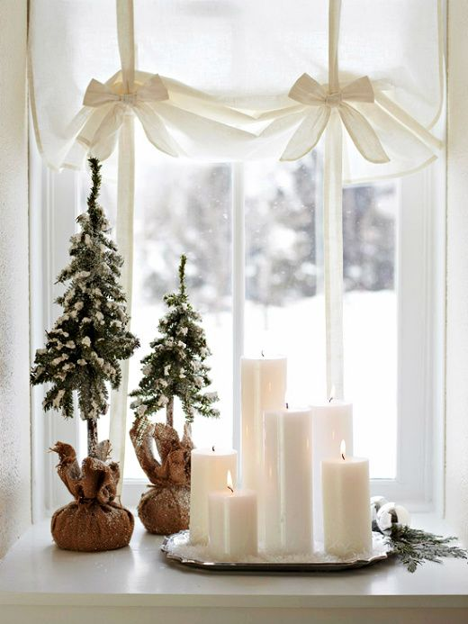 ... white candles on silver trayChristmas Decor Ideas, Silver Trays, Christmas Windows, Candles, White Christmas, Windows Display, Small Spaces, Holiday Decor, Christmas Trees