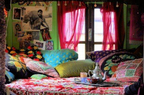 décoration intérieur bohême | ROULOTTES - INTERIEUR DE LA ROULOTTE : Album photo - aufeminin.com