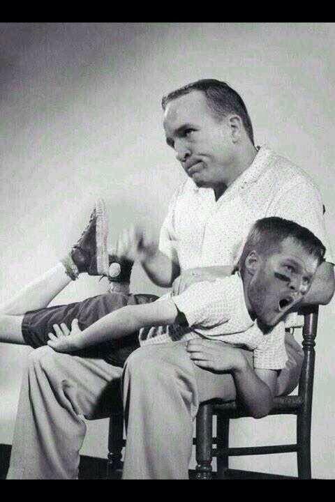 peyton manning spanking tom brady lol