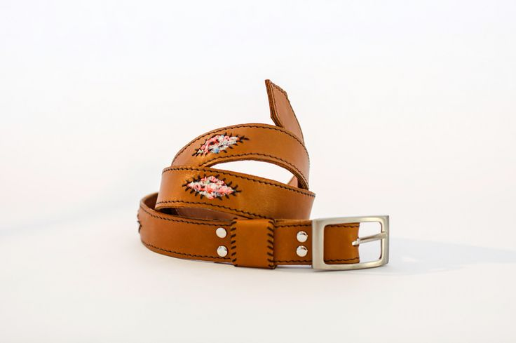 Leather belt with Malhia Kent fabric #leather #belts #socape #malhiakent