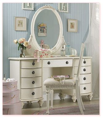 Vintage white vanity for a children 39 s room with a baby blue wall color nursery design blue - Vintage zimmer einrichten ...