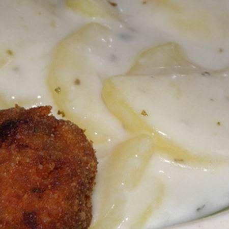 Egy finom Egyszerű tejfölös krumplifőzelék ebédre vagy vacsorára? Egyszerű tejfölös krumplifőzelék Receptek a Mindmegette.hu Recept gyűjteményében!