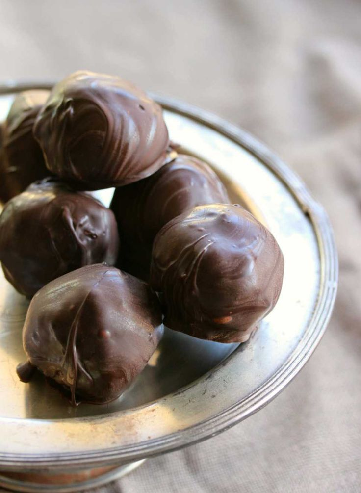 Photo of Raw Coconut Mint Choc Bites