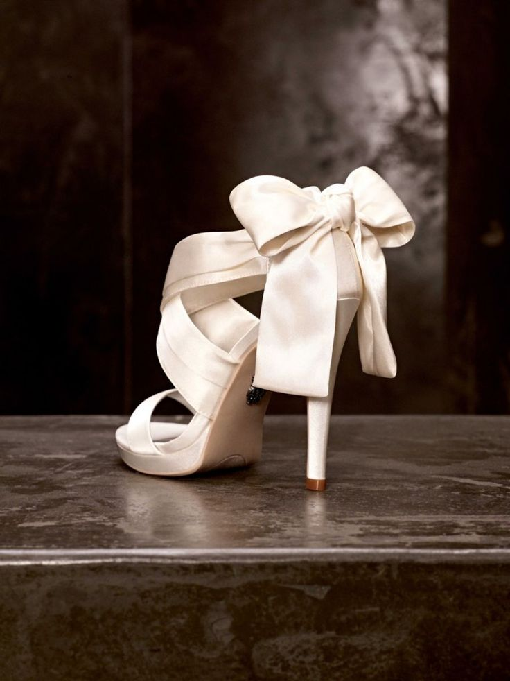 1000 Ideas About White By Vera Wang On Pinterest