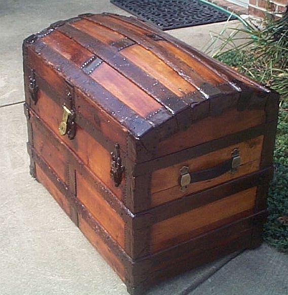 Antique Trunk #2871