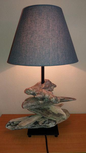 Stehlampen - Lampe mit Treibholz und Lampenschirm schwarz grau - ein Designerstück von FILZ_HOLZ_und_MEHR bei DaWanda