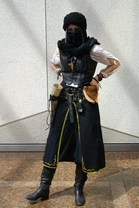 Desert post apocalyptic / Eastern inspired / cosplay for women / LARP / dystopia / wasteland