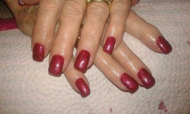Logik gel polish crimson