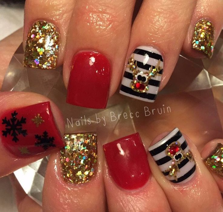 Modern Christmas Nail Art Decals Illustration - Nail Paint Design ...
