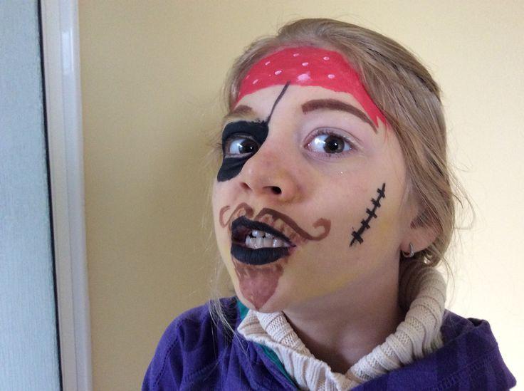 Maquillage pirate sur ma sœur