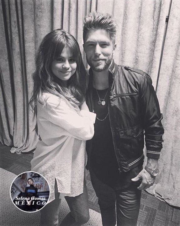 Nueva/vieja foto de Selena y Chris Lane. #fashion #style #stylish #love #me #cute #photooftheday #nails #hair #beauty #beautiful #design #model #dress #shoes #heels #styles #outfit #purse #jewelry #shopping #glam #cheerfriends #bestfriends #cheer #friends #indianapolis #cheerleader #allstarcheer #cheercomp  #sale #shop #onlineshopping #dance #cheers #cheerislife #beautyproducts #hairgoals #pink #hotpink #sparkle #heart #hairspray #hairstyles #beautifulpeople #socute #lovethem #fashionista…
