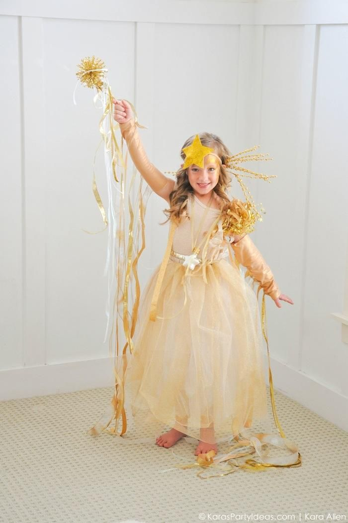Easy DIY Shooting Star Halloween Costume by Kara's Party Ideas | Kara Allen | KarasPartyIdeas.com for Michaels #michaelsmakers-49