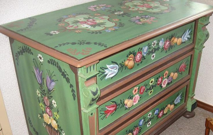 """.Norwegian """"Rosemaling"""".... a painting  technique used by Minnesotan Norwegians to decorate furniture, plates and fabrics. Ubetcha!"""