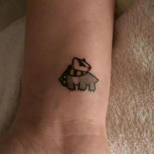 | Harry Potter tattoo: hufflepuff |