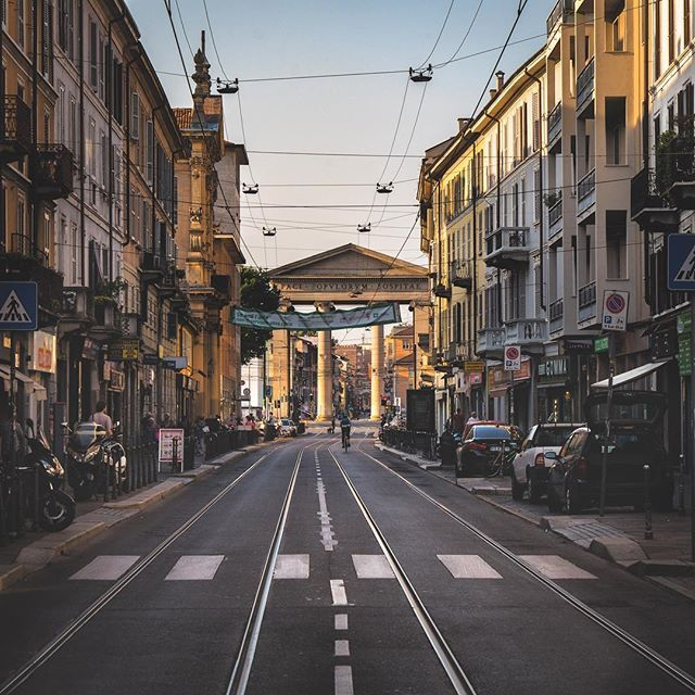 Some of the Milan streets have a little umf  #onthemove #milanocity #milanstreetstyle #italianlandscapes #wonderful_places #Italianlandscapes #worldshotz #earthfocus #entdeckeitalien #milan #hello_worldpics  #ig_shotz_travel #ilikeitaly #italietourisme #lombardia_reporter #sheisnotlost #alitalia #inlombardia #dametraveler #europe_vacations #places_wow #instaitalia #bbctravel #FramesOfItaly #mrsthebestfeatures #beautifulmatters #cntraveler #italian_gallery