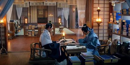 Ancient Chinese scholars burning their midnight oil (from Chinese tv drama Nirvana in Fire) https://plus.google.com/+Simplifyyourlifepluschina/posts/FAvJggXKv18