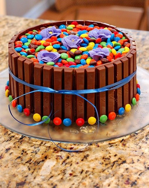 A cake I found on Pinterst.  Made it for my husbands Bday and it ROCKED!Chocolates Cake, Candies Cake, Food, Cake Ideas, Dreams Cake, Kit Kat Cake, Hot Tubs, M M Cake, Birthday Cake