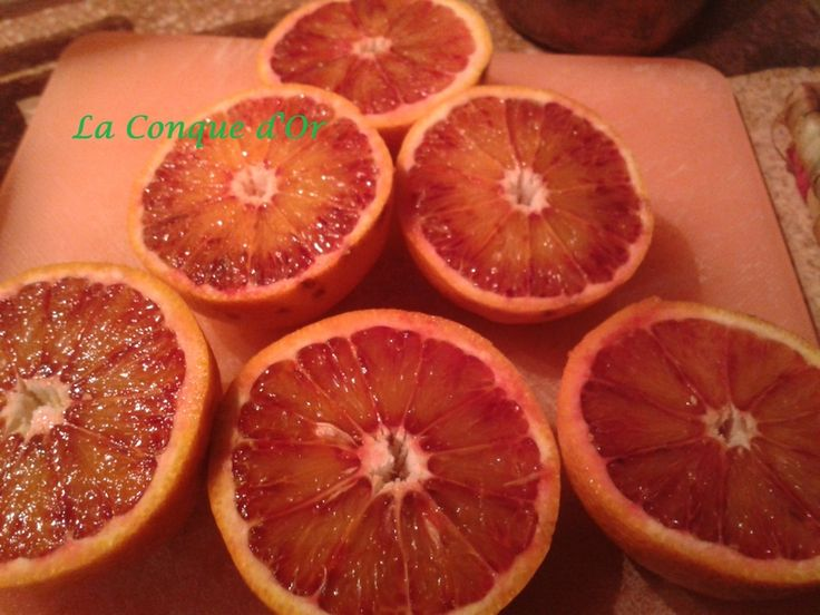 Salade de fruits avec jus d'oranges sanguines