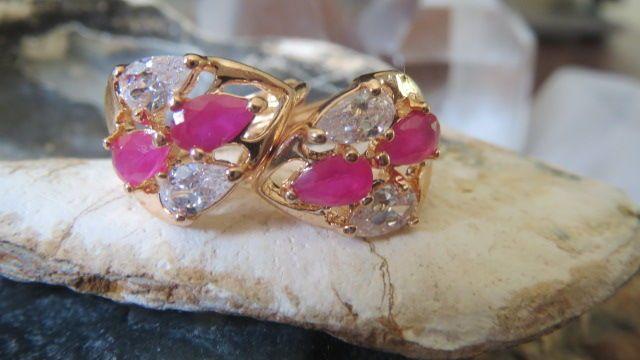 Online veilinghuis Catawiki: Geel-Gouden Oorbellen met Roze Robijn & Fonkelende Witte Topaas. Gefacetteerd!