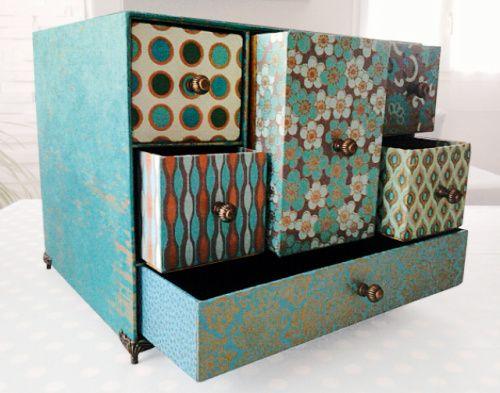 Cartonnage, encadrement et meuble en carton : 16 o…