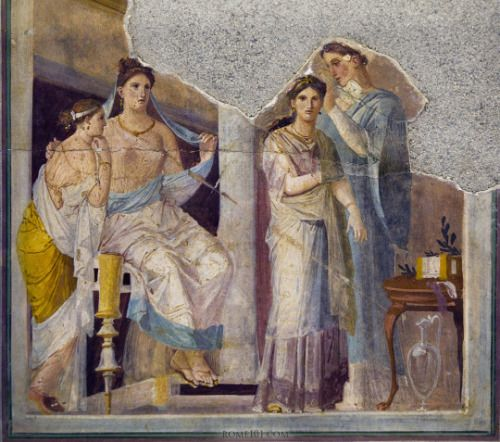 classical-beauty-of-the-past:  Frescoes from   Pompeii by...