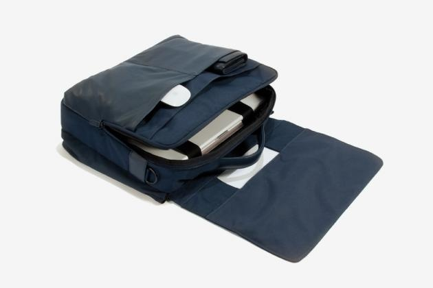 Cartella documenti e pc blu navy