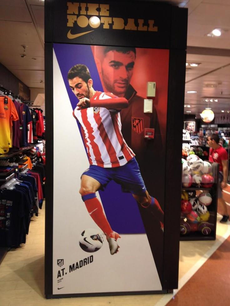 Promo de Nike Football Spain y Club Atlético de Madrid que os podéis encontrar estos días en algún centro comercial.