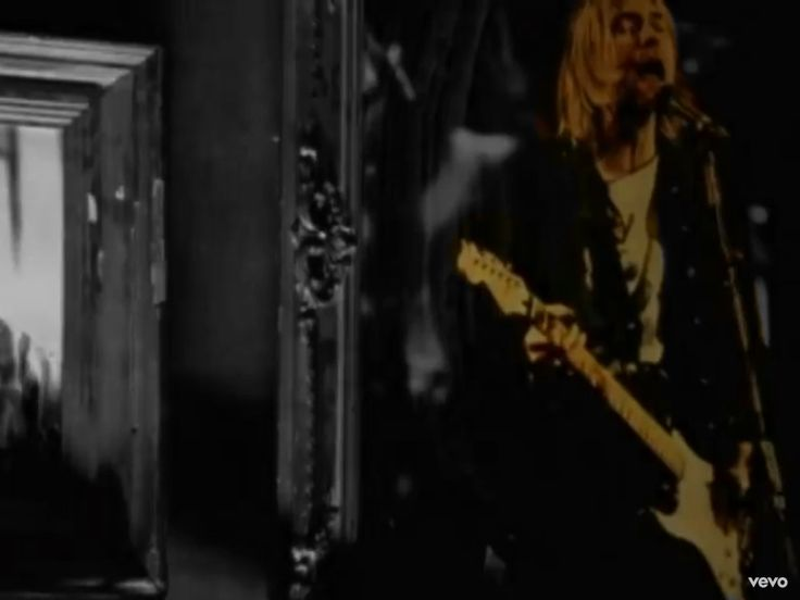 Kurt Cobain of nirvana appeared in oasis' live forever video