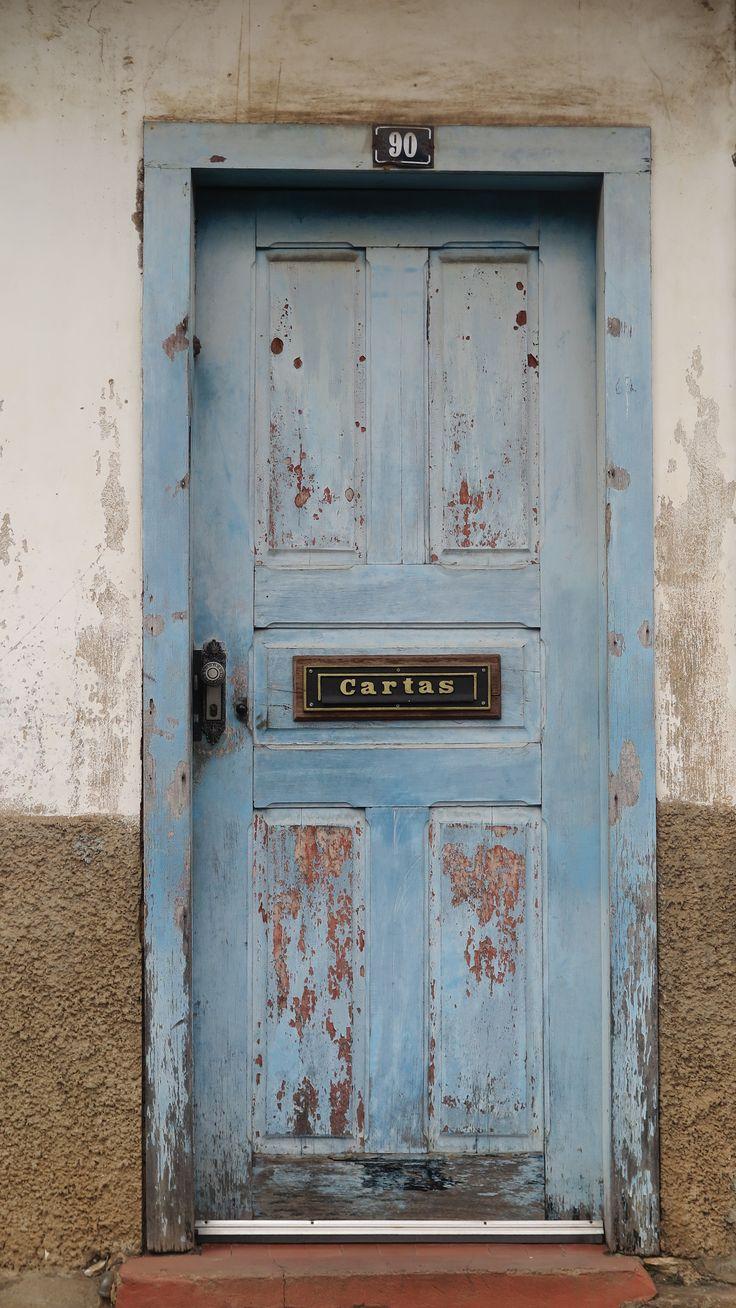 Porta. Ouro Preto.