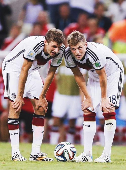 Thomas Müeller  Toni Kroos Cracks !! #germanyfootballerteam #worldcup2014 #bestteamintherworld #finalworldcup2014