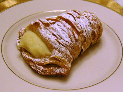 I have been craving a lobster tail pastry from Carlo's Bakery since I was prego with Liam. Next time I'm in Hoboken, NJ lol...